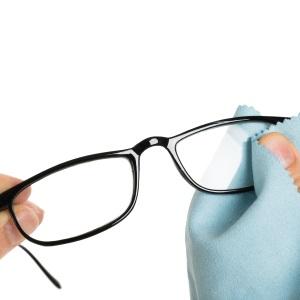 Čistící prostředky pro brýle v optice Praha Stodůlky