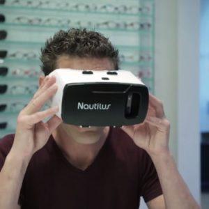 Nástroj Essilor Nautilus v pro rozšířenou realitu. Pomáhá s výběrem brýlových čoček. U nás v Praze - optika Stodůlky